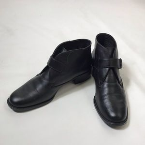 Nice pair of ankle boots 9 1/2 medium